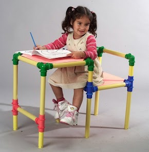 Cristina´s First School Desk!